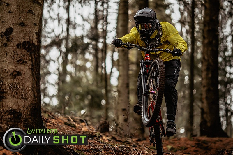 Manual Mood - Banan - Mountain Biking Pictures - Vital MTB