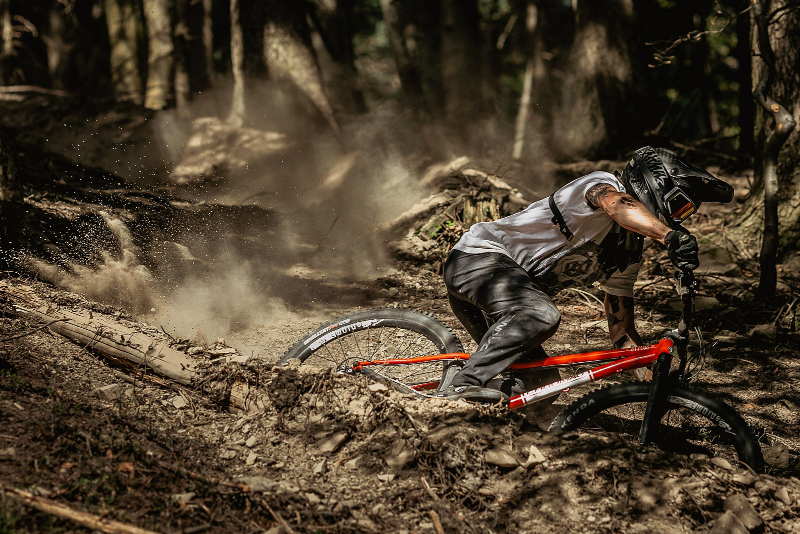 dusty dusty - Banan - Mountain Biking Pictures - Vital MTB