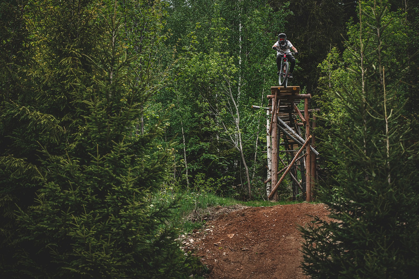 droppin' - Banan - Mountain Biking Pictures - Vital MTB