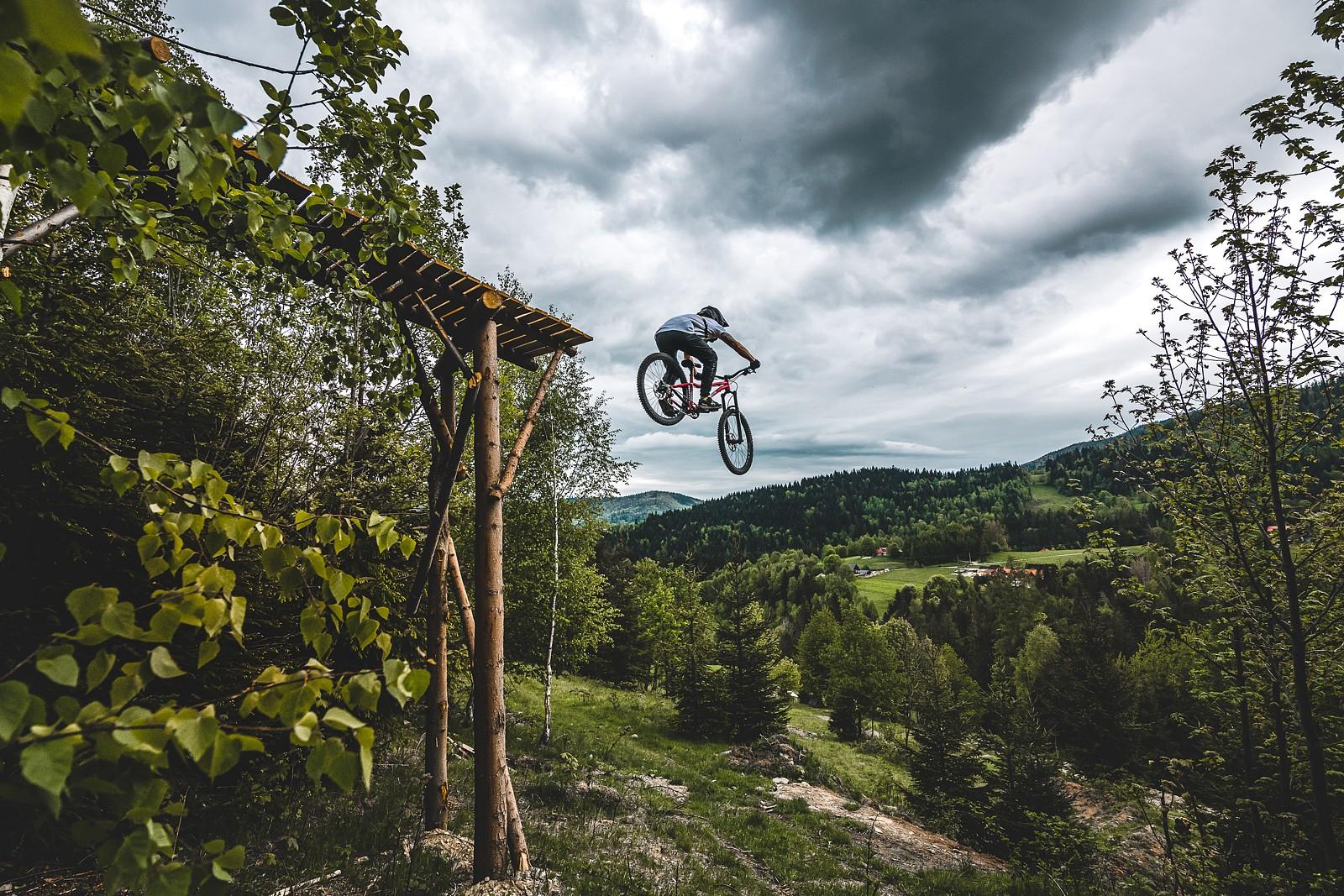 droppin' - Banan - Mountain Biking Pictures - Vital MTB