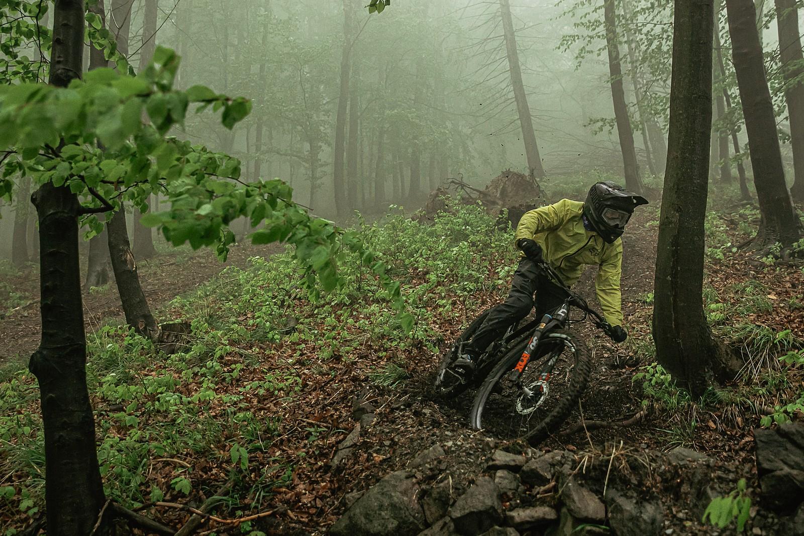 fog - Banan - Mountain Biking Pictures - Vital MTB