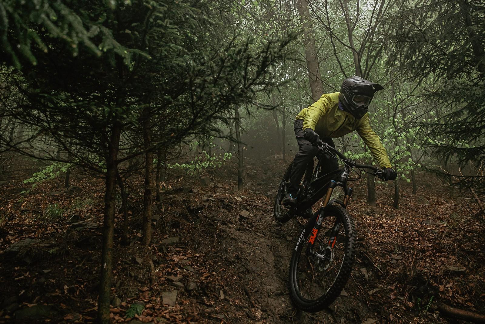full enduro - Banan - Mountain Biking Pictures - Vital MTB
