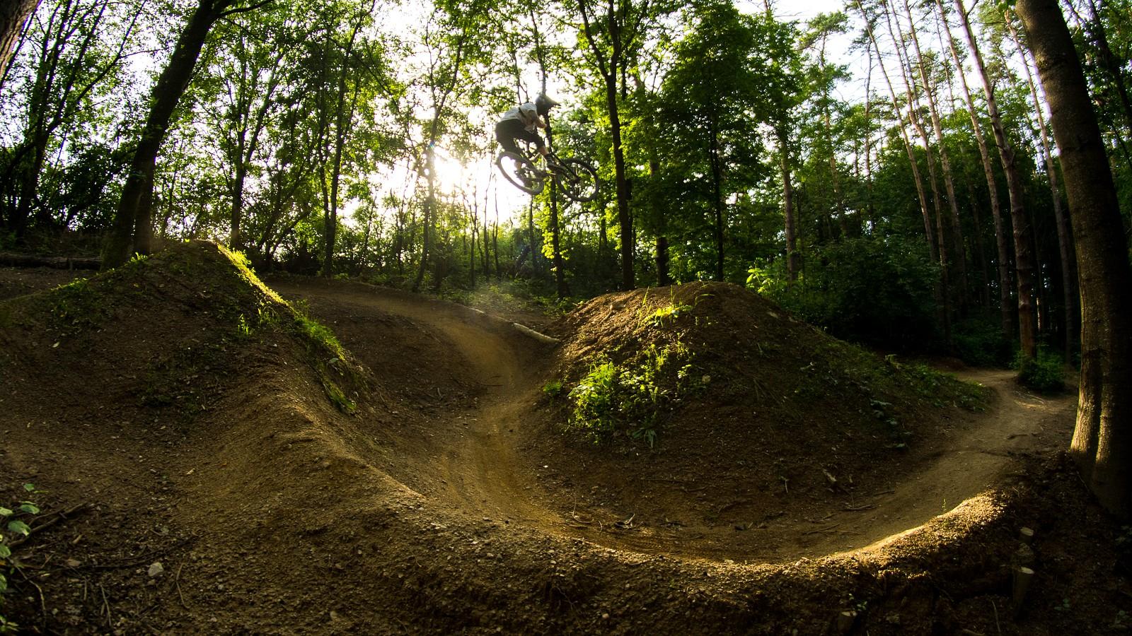 over the trail - Banan - Mountain Biking Pictures - Vital MTB