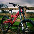 Frank The Welder's DH beast is now in the 650b flavour....