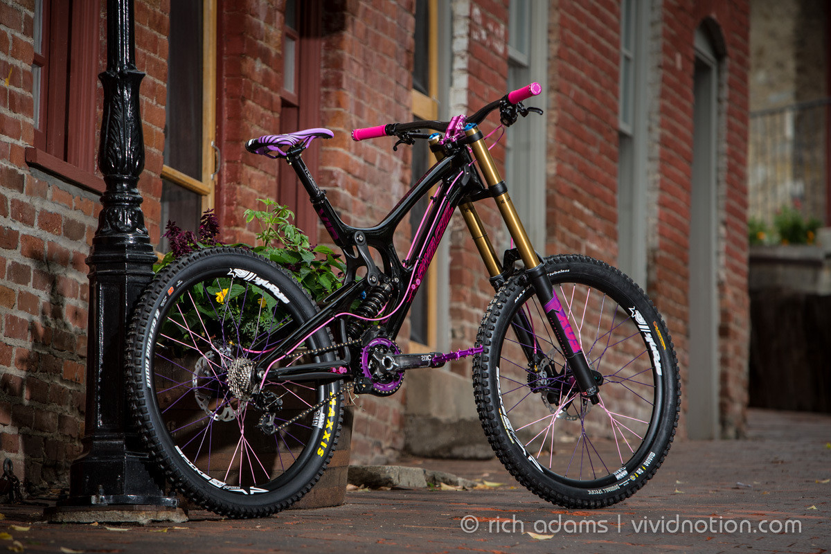 Full Custom Santa Cruz V10 The Ring The Garage S Bike