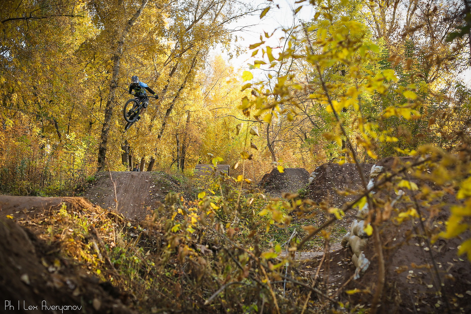 first attempt on a new line - YakuT - Mountain Biking Pictures - Vital MTB