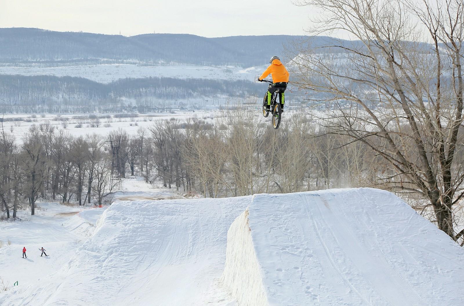 winter air - YakuT - Mountain Biking Pictures - Vital MTB