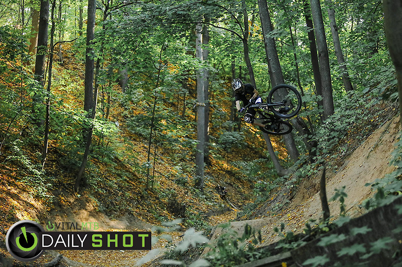 table - YakuT - Mountain Biking Pictures - Vital MTB