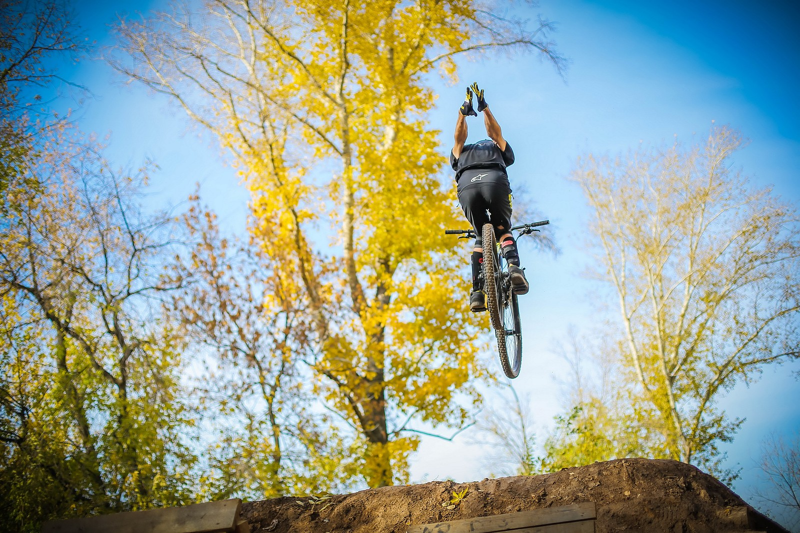 nohander! - YakuT - Mountain Biking Pictures - Vital MTB