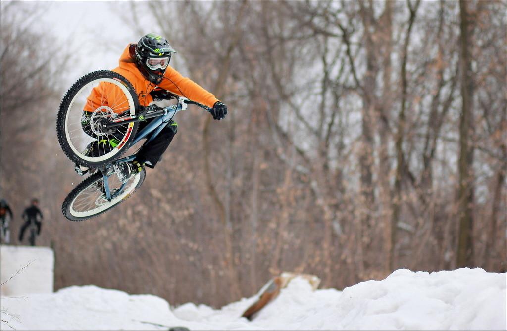 Tabletop - YakuT - Mountain Biking Pictures - Vital MTB