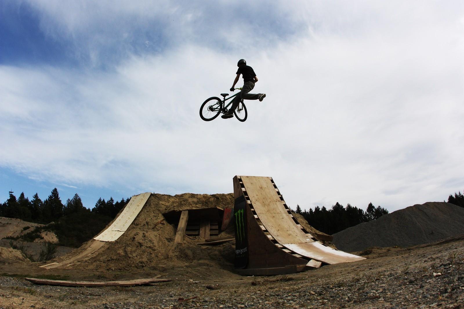 t whip - Super T - Mountain Biking Pictures - Vital MTB
