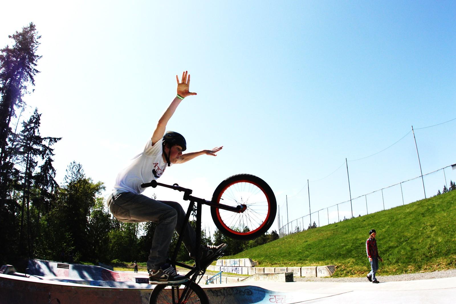 tuck no - Super T - Mountain Biking Pictures - Vital MTB