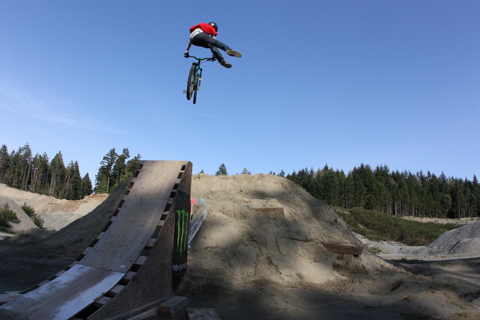 nfc - Super T - Mountain Biking Pictures - Vital MTB