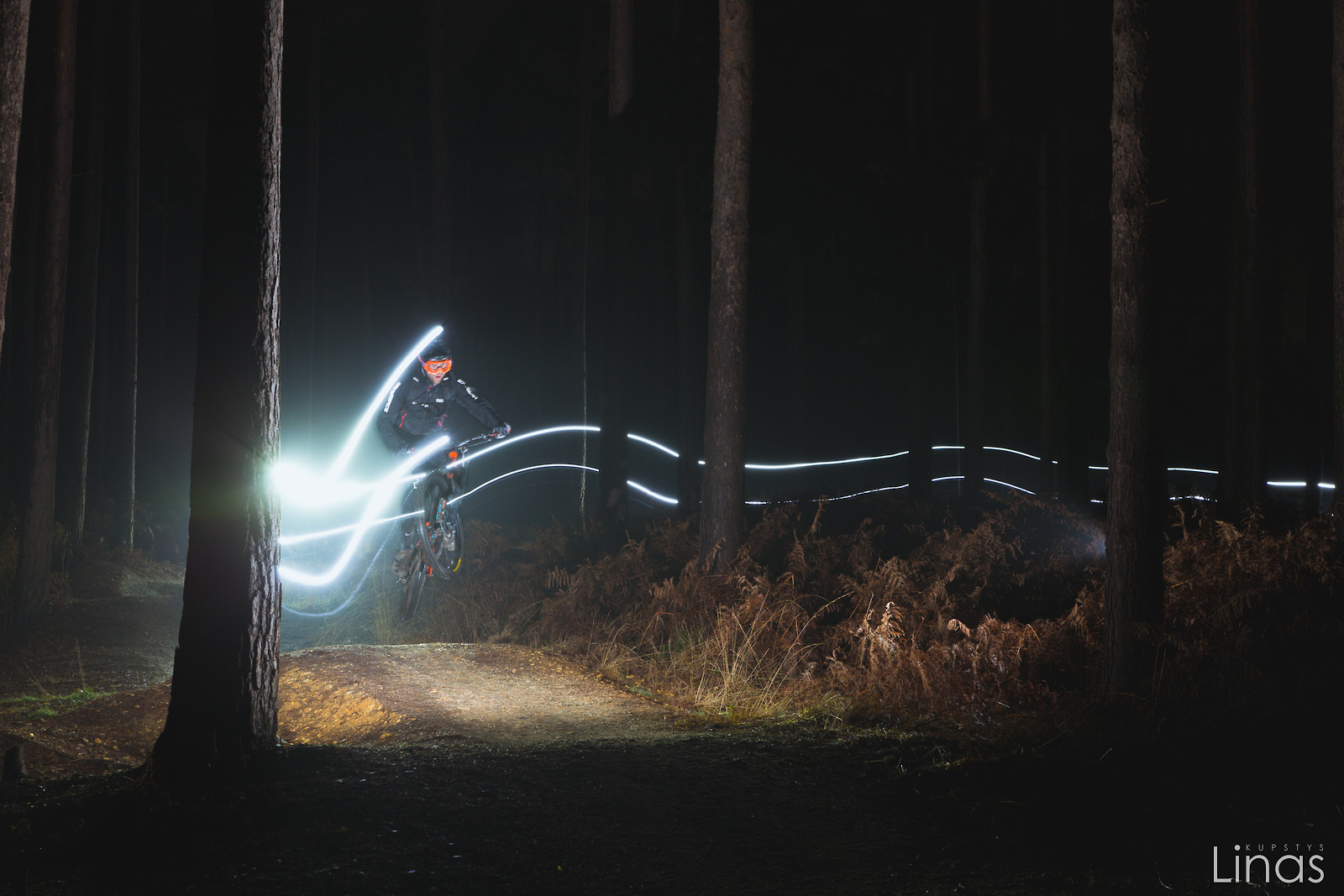 Sending it to the night - linask24 - Mountain Biking Pictures - Vital MTB