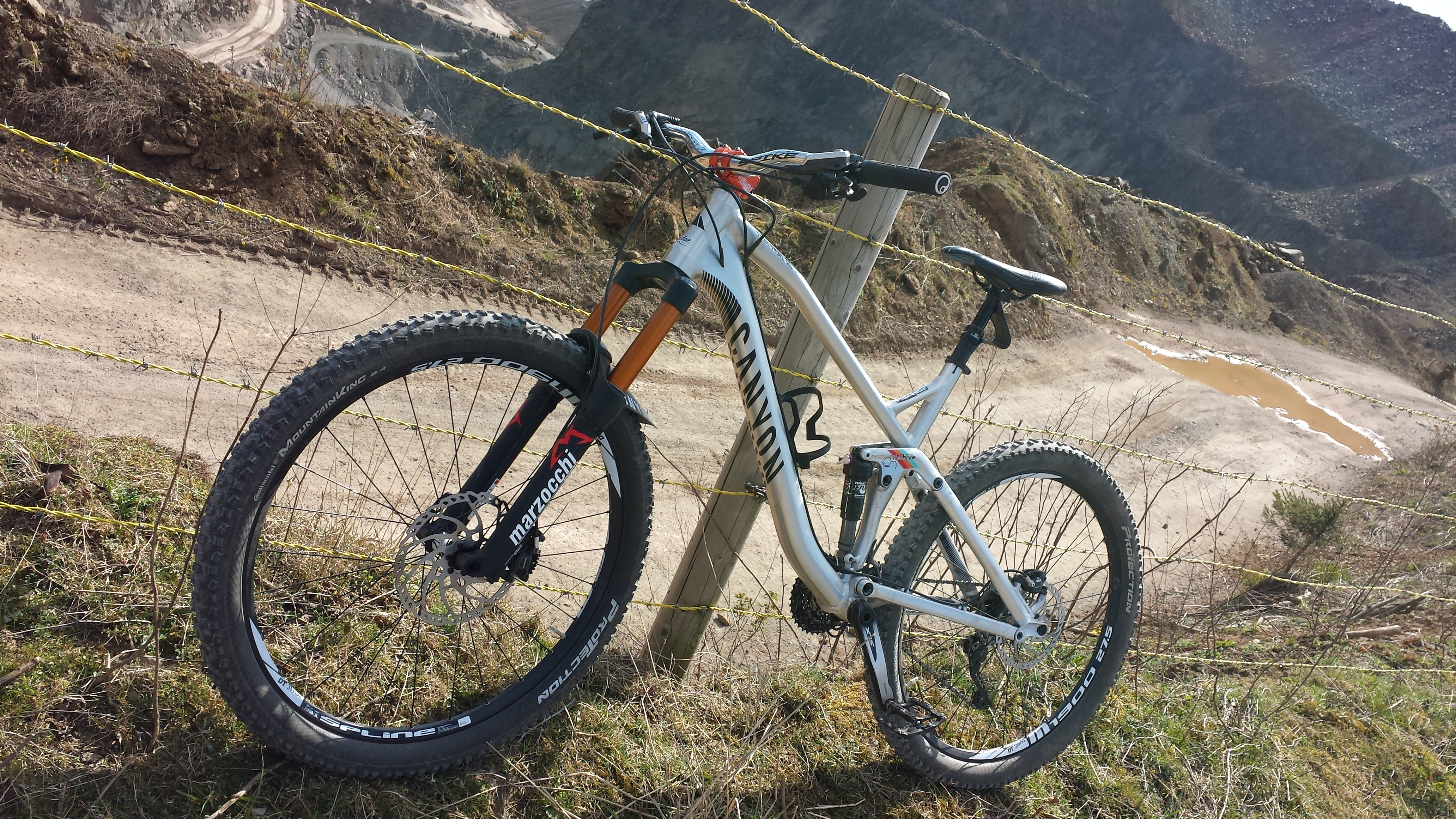 Drag Racing Helmets >> Canyon Spectral AL 2015 raw polished trail rocket ...
