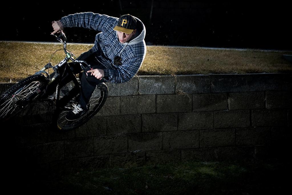 wall huck - pgore - Mountain Biking Pictures - Vital MTB