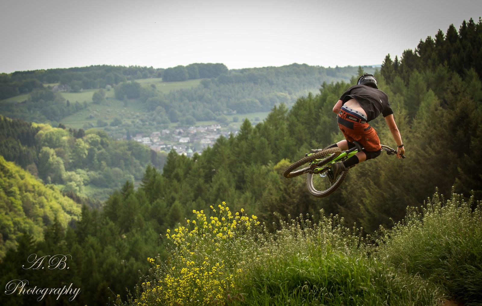 IMG 0220 - AnetaBudkova - Mountain Biking Pictures - Vital MTB