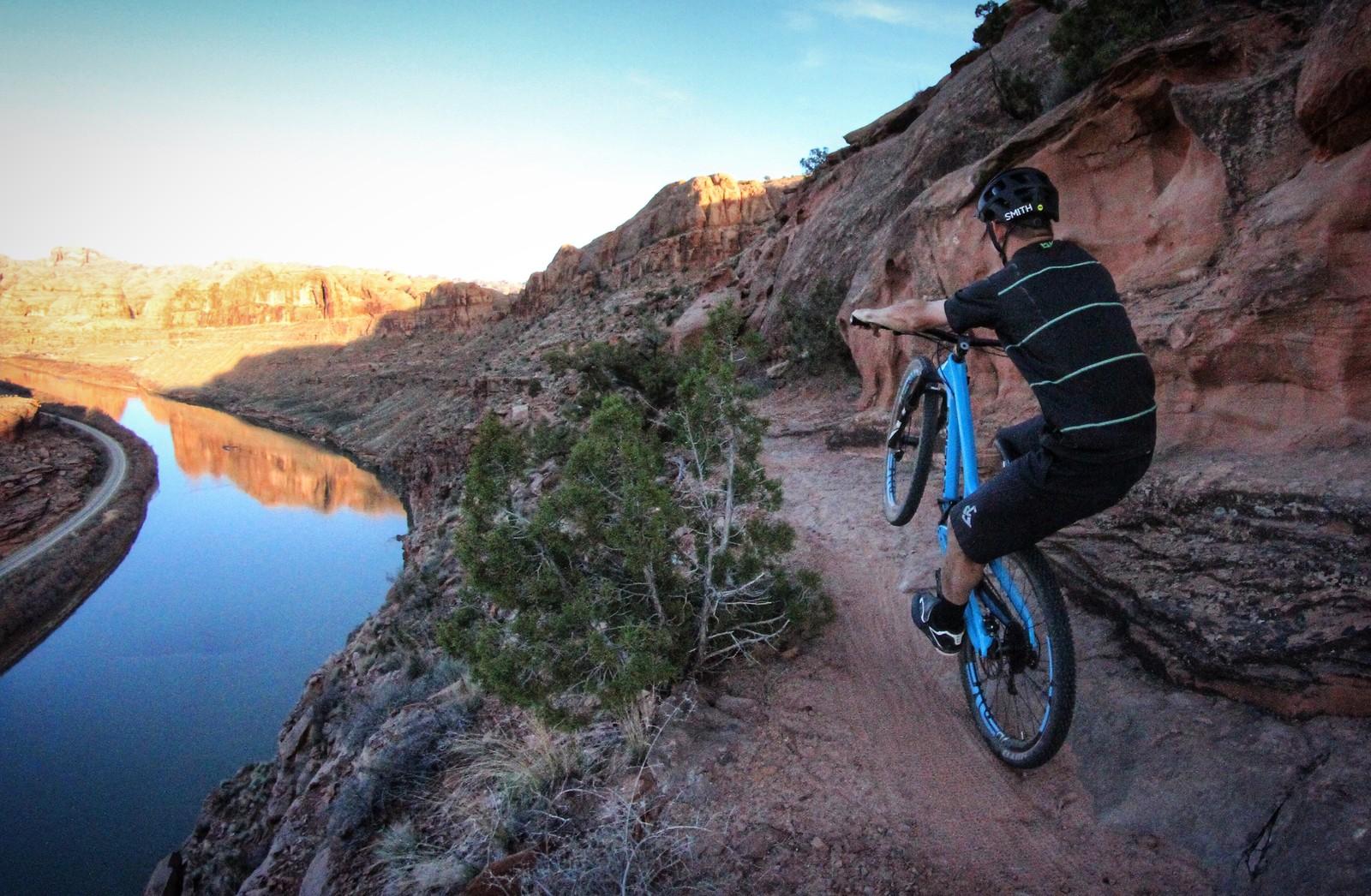 Jacksons Manual  - AMERICAN - Mountain Biking Pictures - Vital MTB