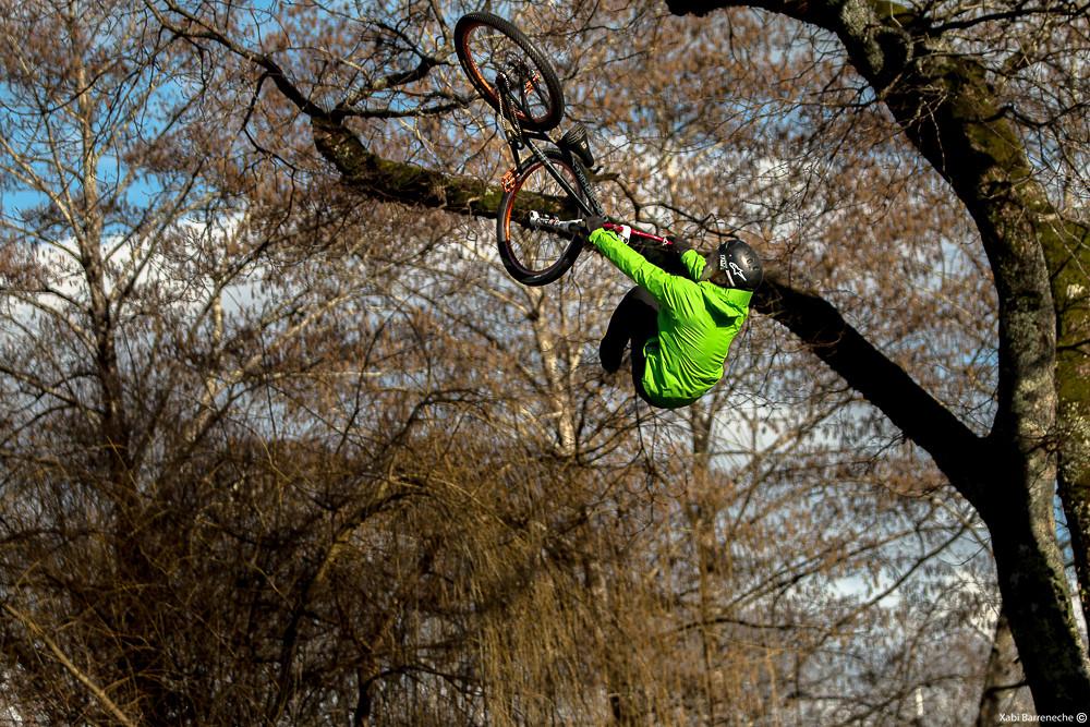 Richard Fert Flipwhip 2 - Corsair Bikes - Mountain Biking Pictures - Vital MTB
