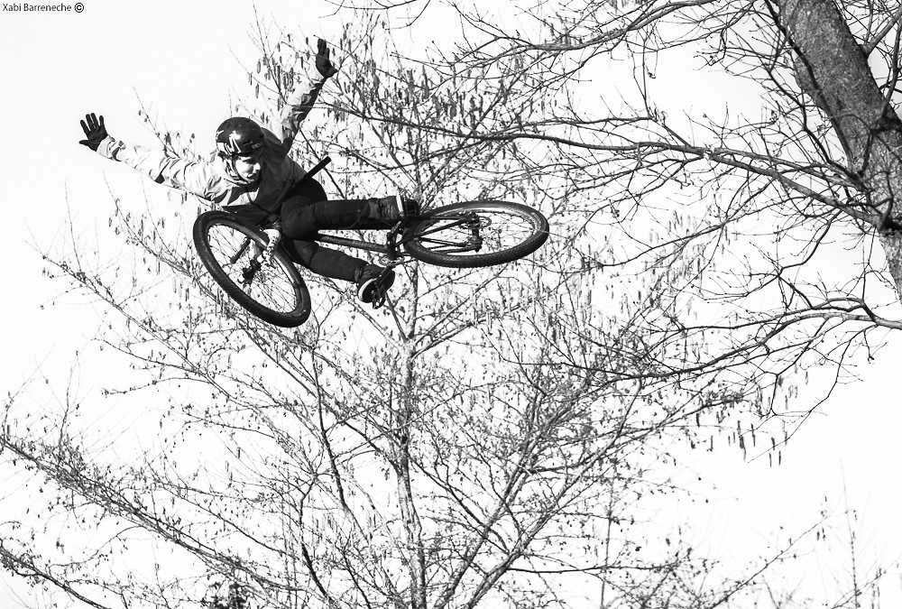 Richard Fert Black and White - Corsair Bikes - Mountain Biking Pictures - Vital MTB