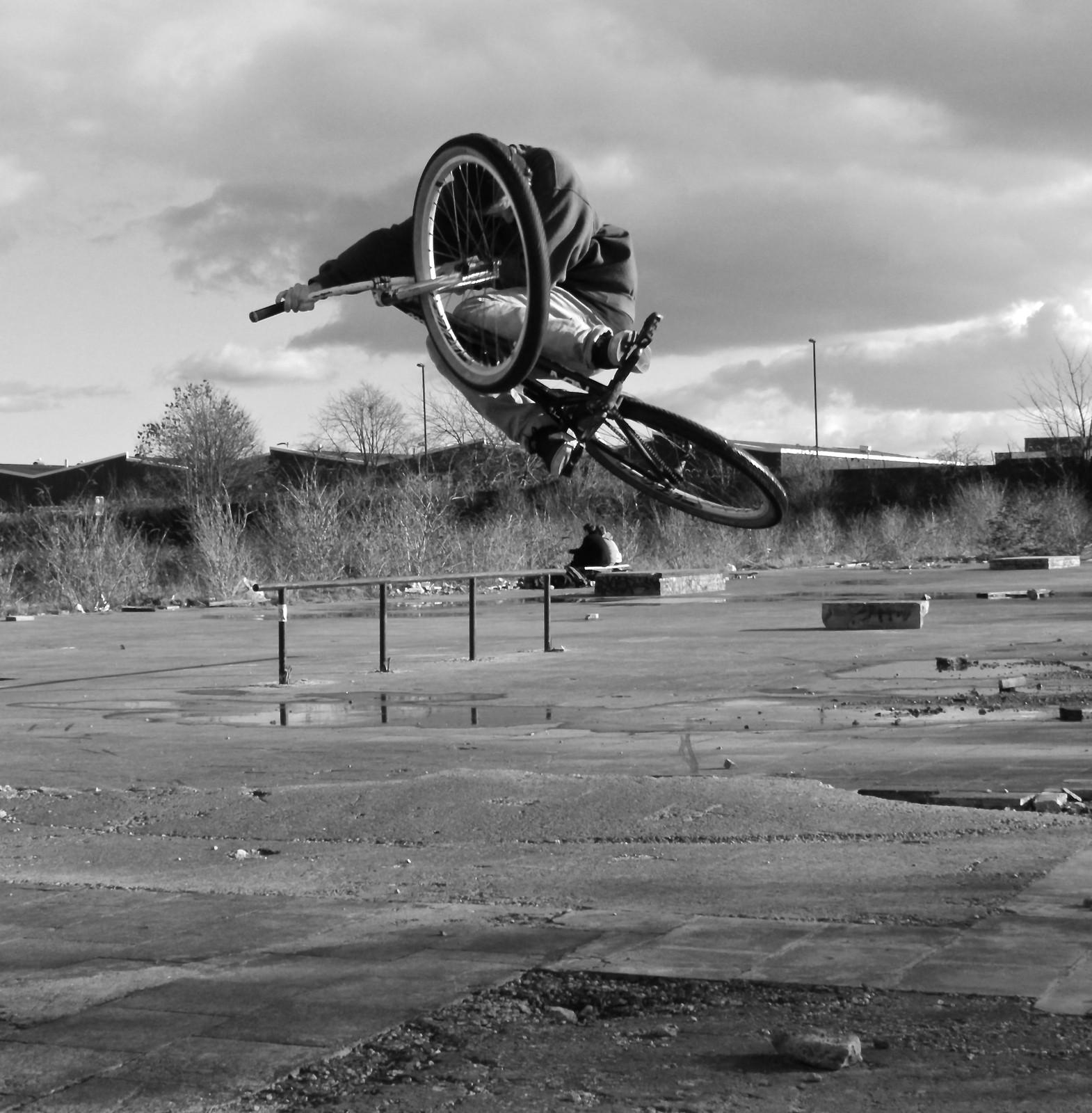 Bunnyhop table  - Tom_kilcoyne - Mountain Biking Pictures - Vital MTB