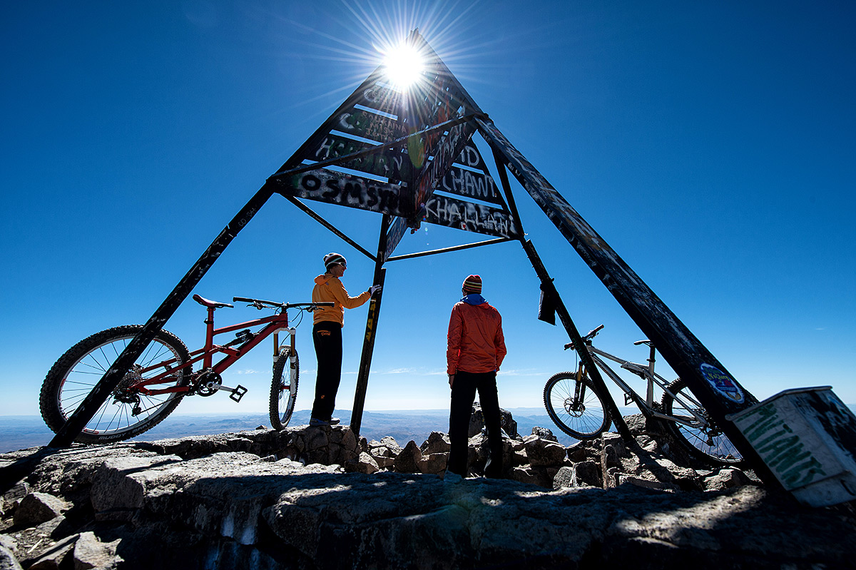 Riding the highest mountain of northern Africa, 4167m