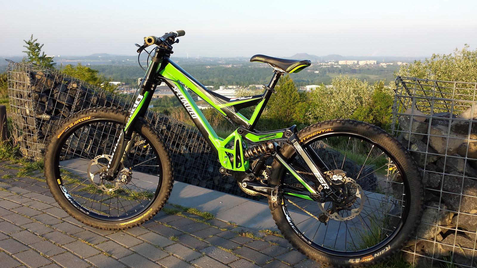 Specialized Demo 9 (Green Machine)