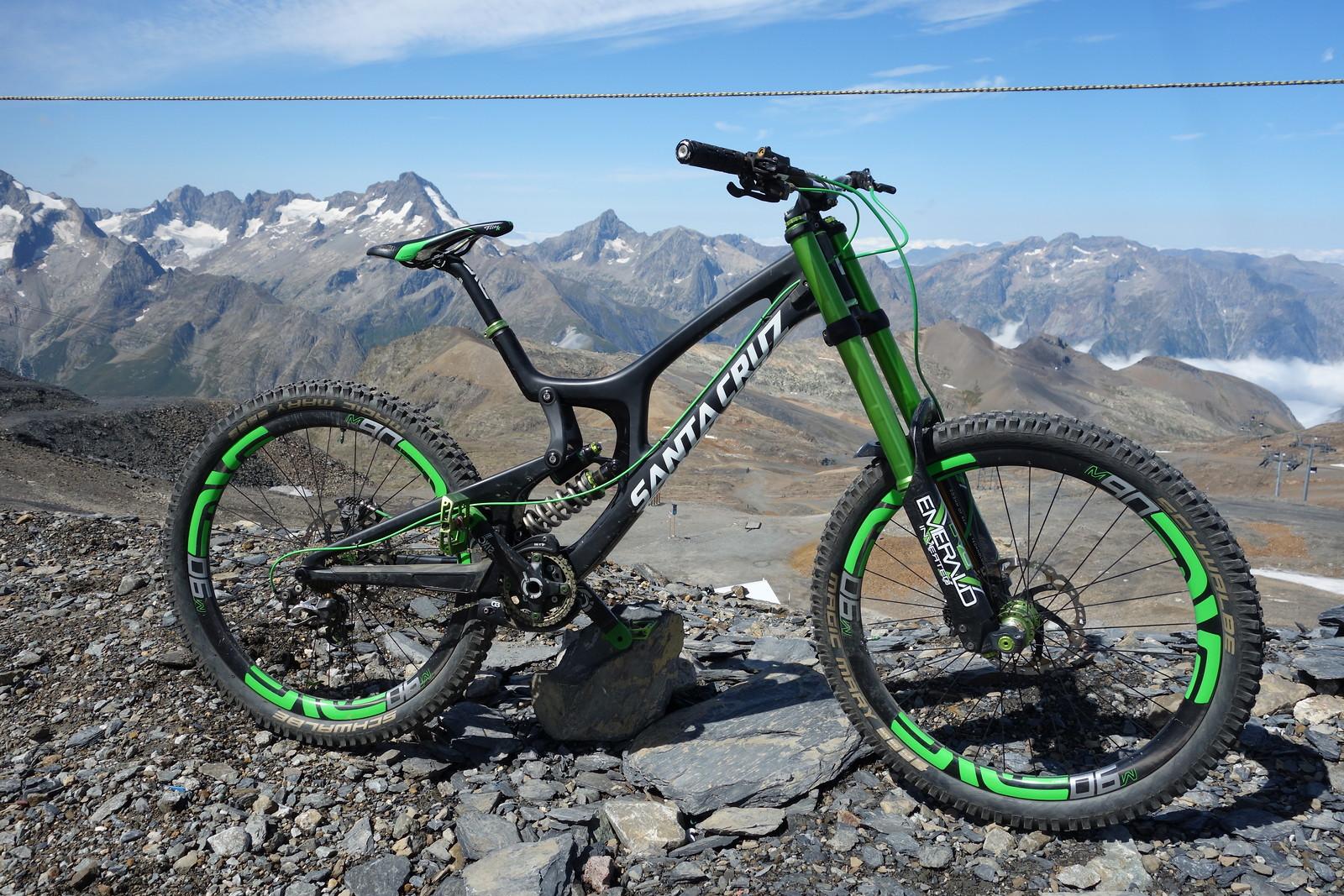 Santa Cruz V10 cc - DVO Green Machine
