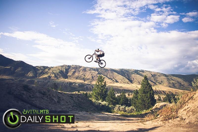 Fist Full - BaNaNa - Mountain Biking Pictures - Vital MTB