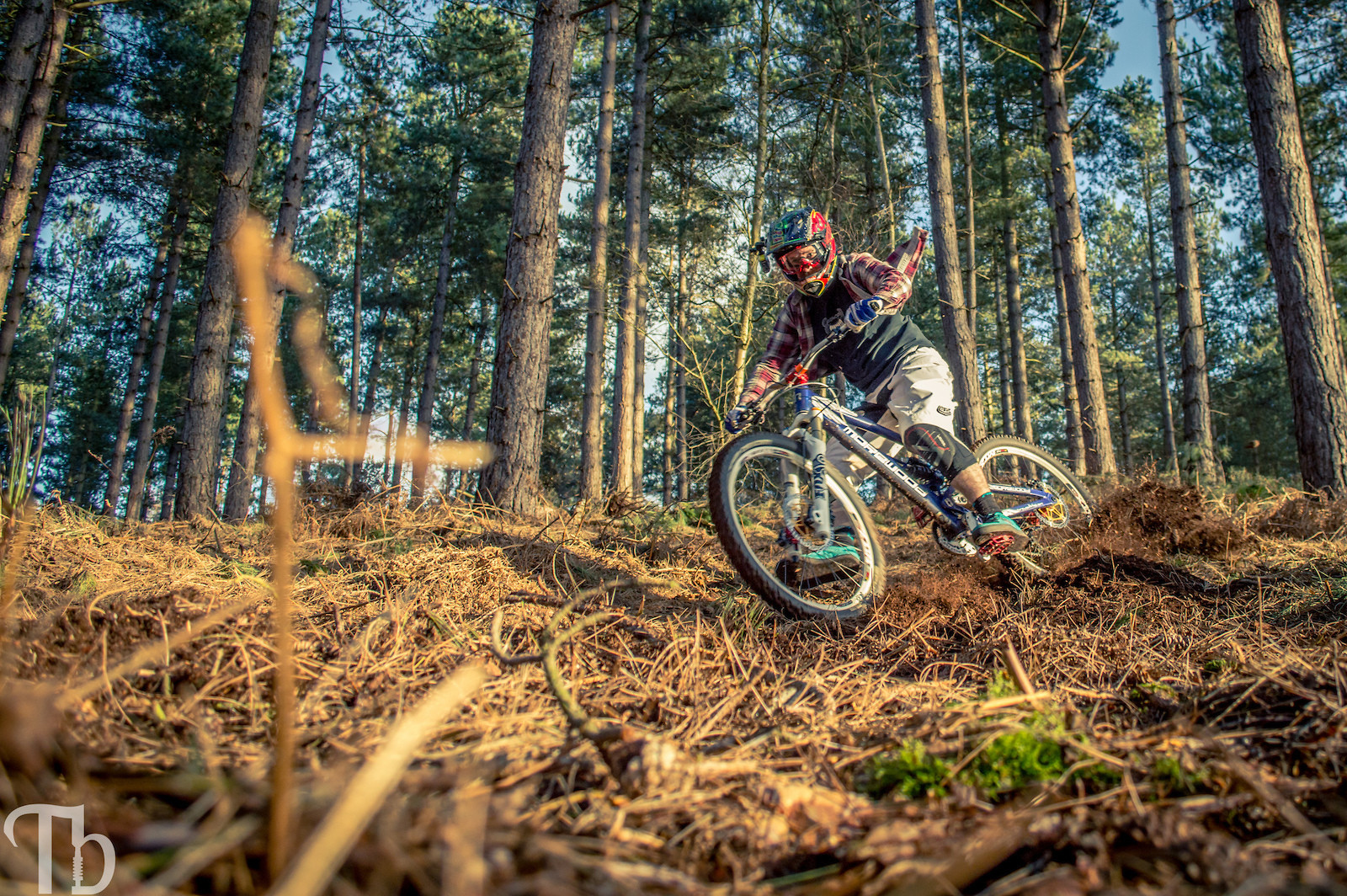 Kicking loam - KillerXL5 - Mountain Biking Pictures - Vital MTB