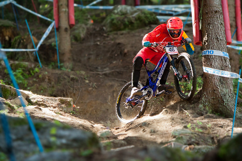 Rob Wallner shows different riding style.