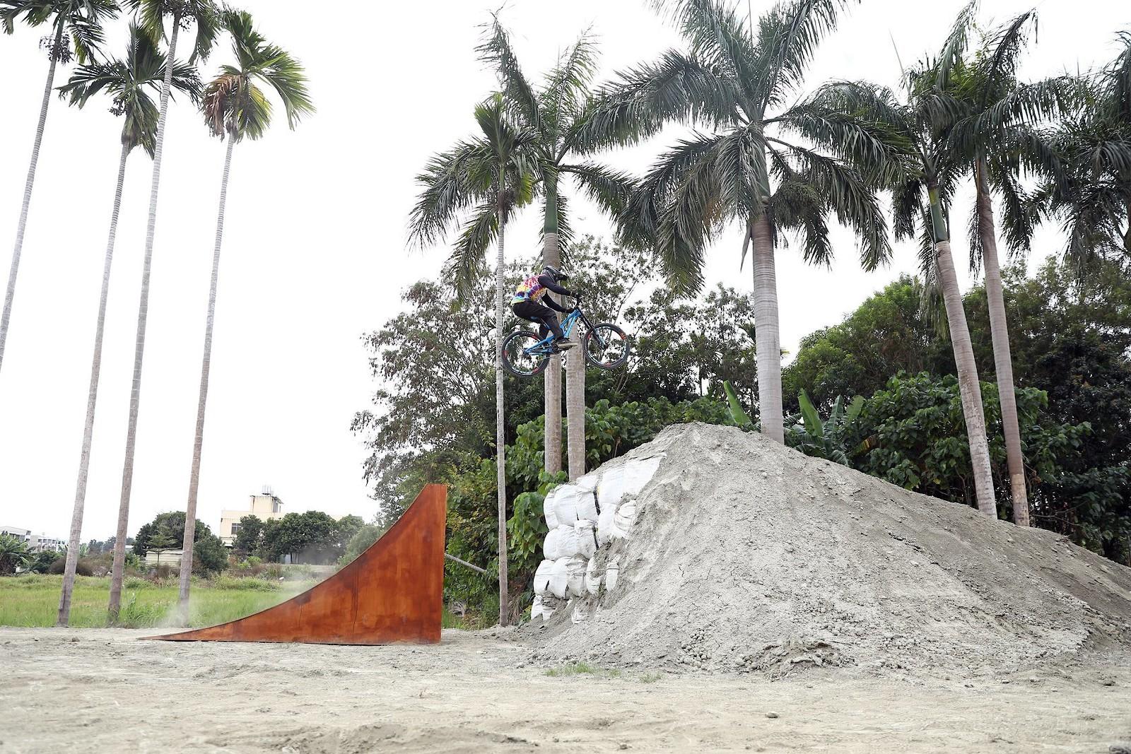 4 - titic999 - Mountain Biking Pictures - Vital MTB