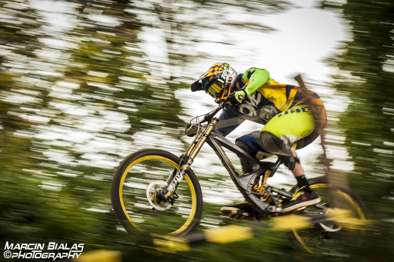 Gary in race mode - Marcin Bialas Photography - Mountain Biking Pictures - Vital MTB
