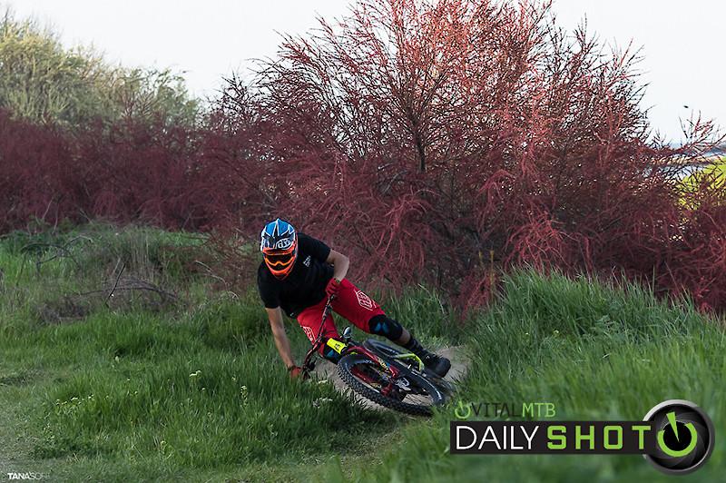 Lay it down! - MunteanuHill - Mountain Biking Pictures - Vital MTB