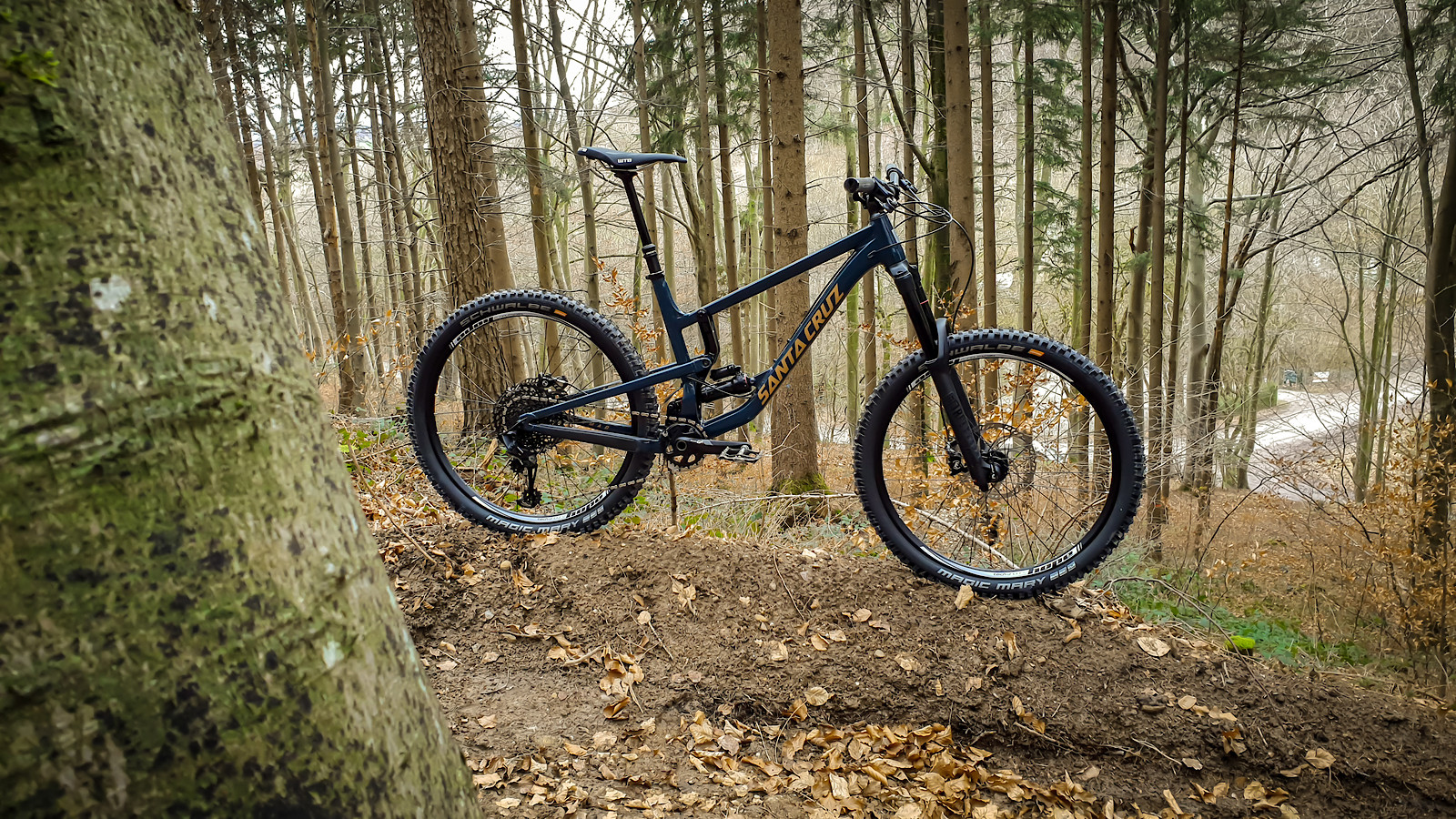 Santa Cruz Nomad 4 All out Alloy