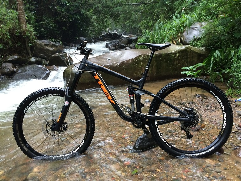 Zaimuls trek slash 7 custom decals zaimuls bike check vital mtb