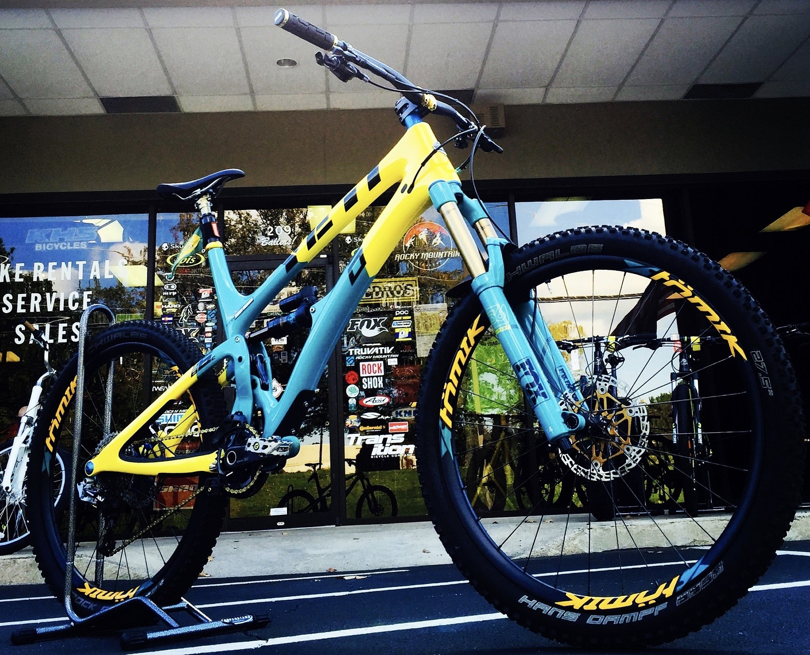 Fresh Custom 30th Anniversary Yeti SB6c
