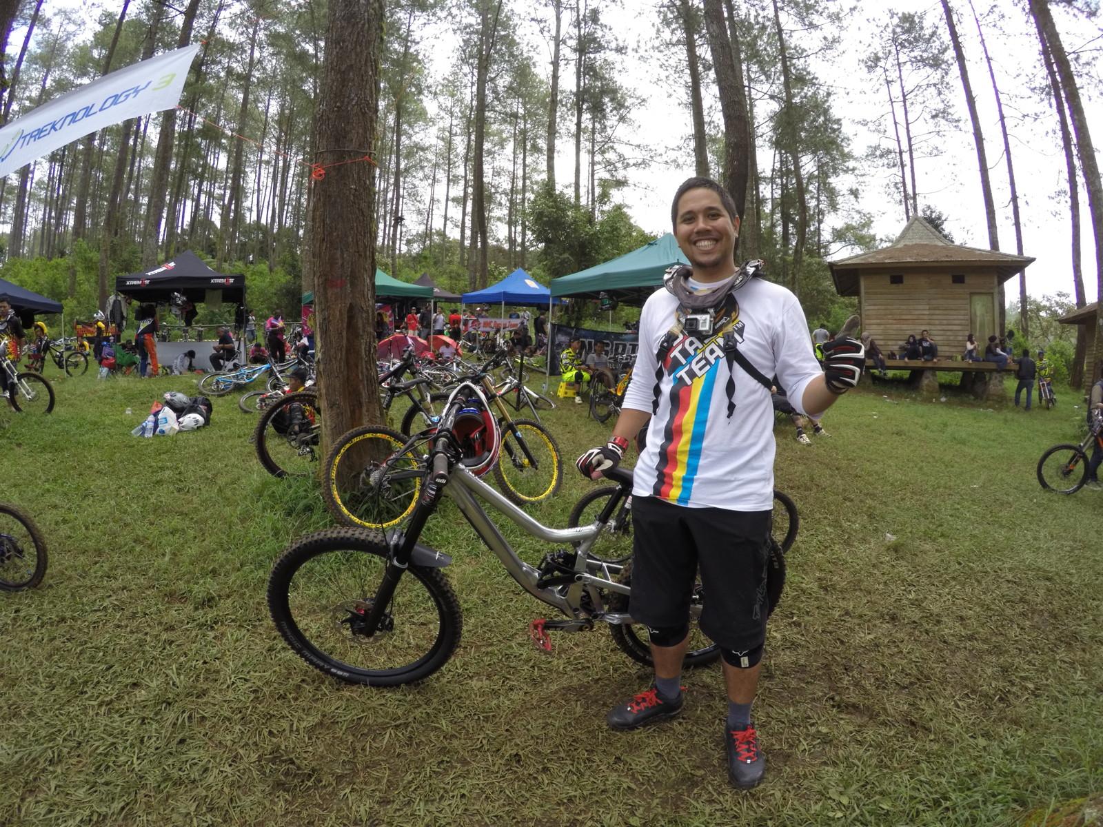 bismojo Bike Checks - anggahp - Mountain Biking Pictures - Vital MTB