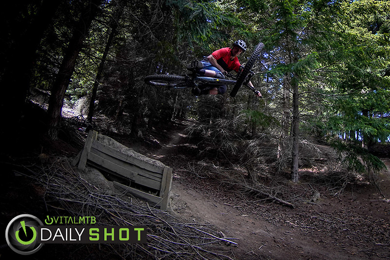 Out of the Darkness, Into the Light - 208media - Mountain Biking Pictures - Vital MTB