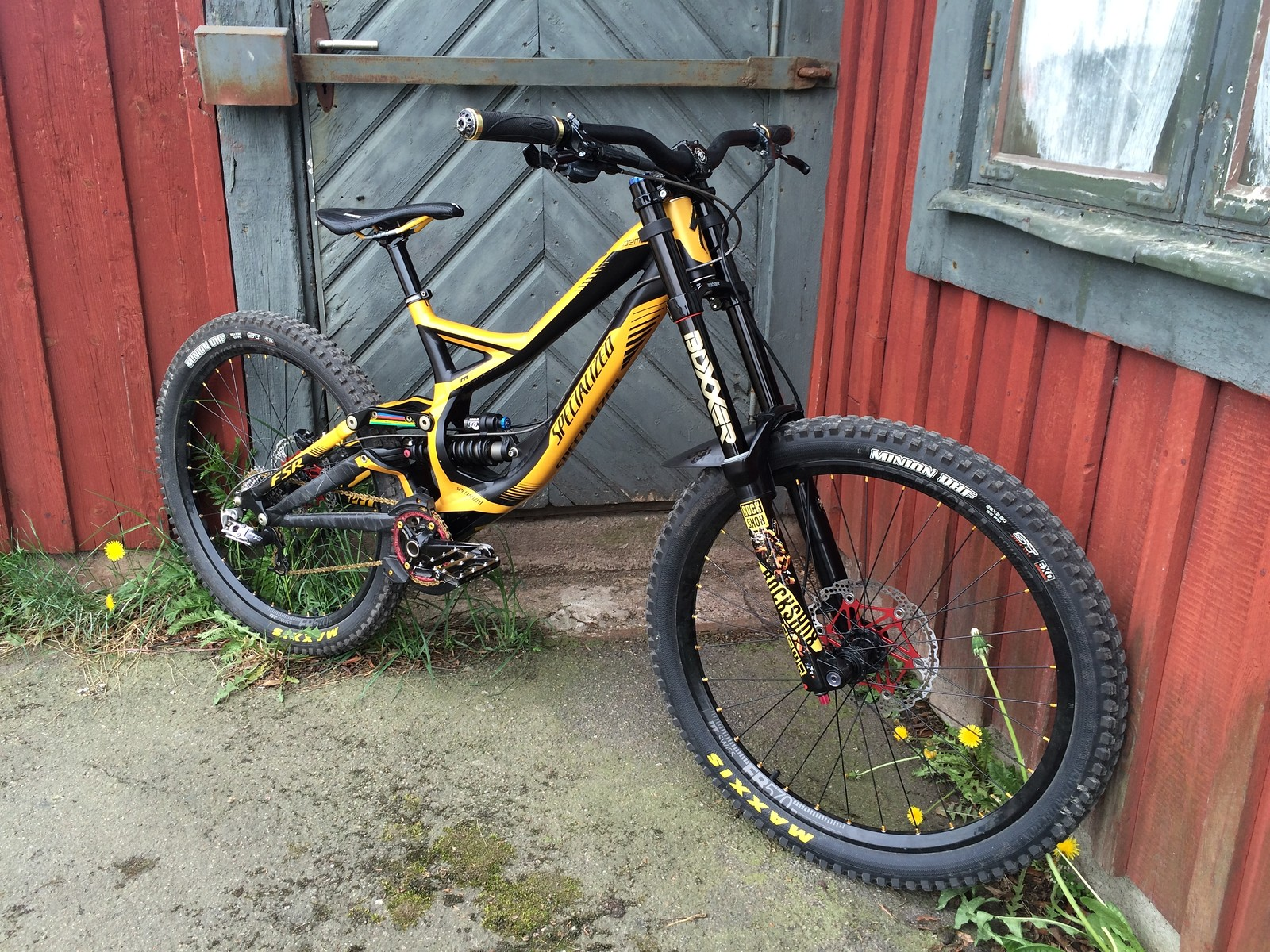 Bumblebee - Specialized Demo 8 one