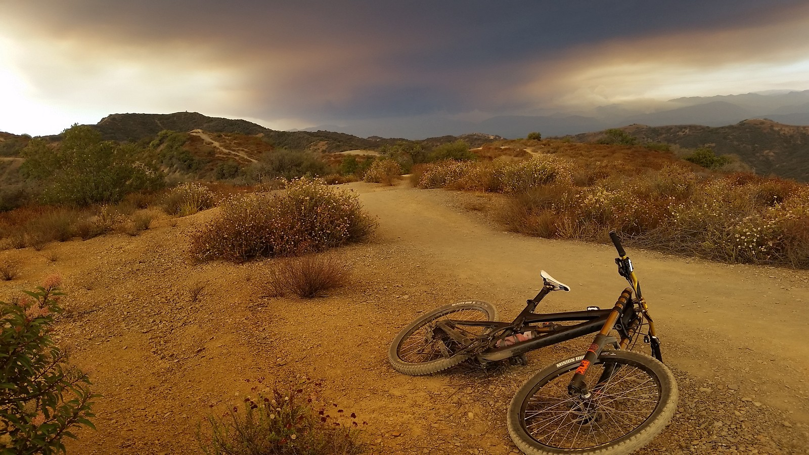 Sand Fire - Joe Moto - Mountain Biking Pictures - Vital MTB