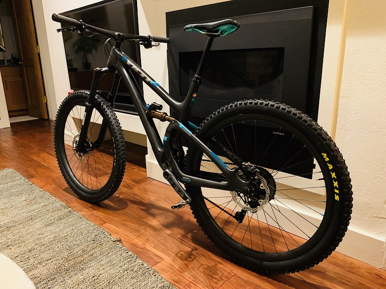 Yeti SB5.5 Just A Little Turq