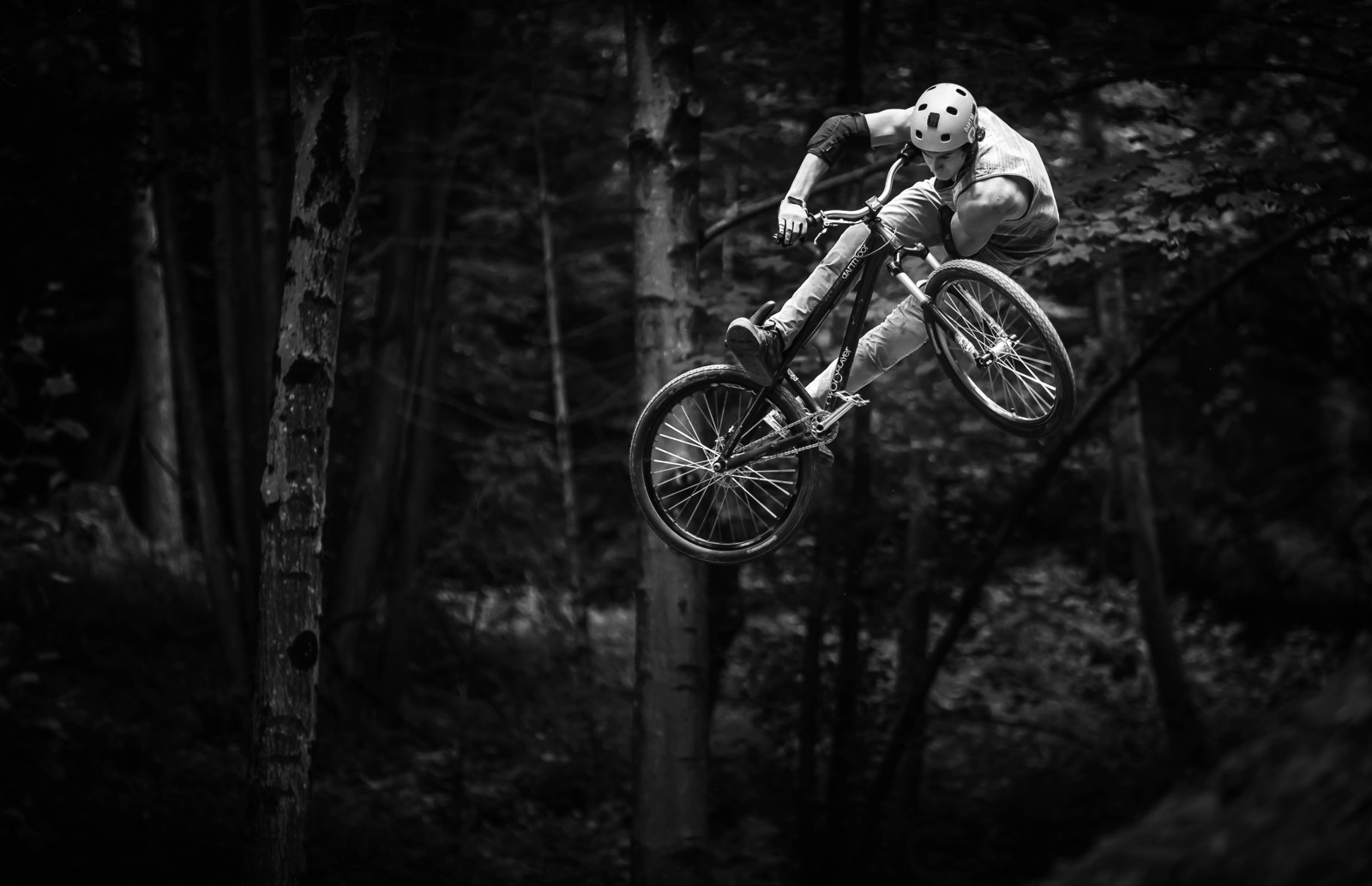 8A6A8953-bw - Connected_project - Mountain Biking Pictures - Vital MTB