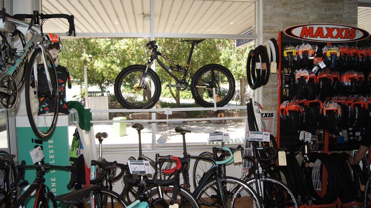 MAD6 SrII K - CarbonXScycles - Mountain Biking Pictures - Vital MTB