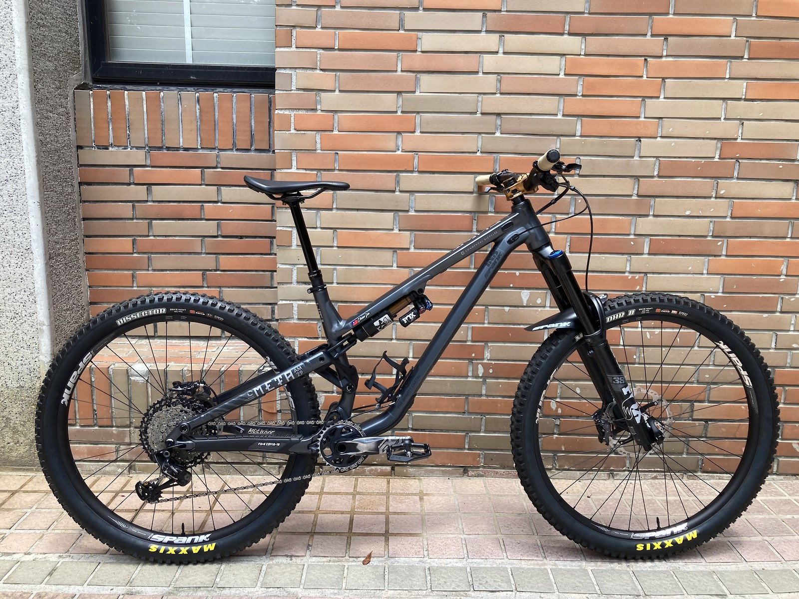 2021 COMMENCAL META AM x SPANK Custom Build