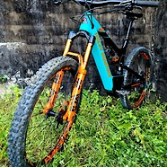 Upgraded Rocky Mountain Altitude Powerplay C70 - E-Bike