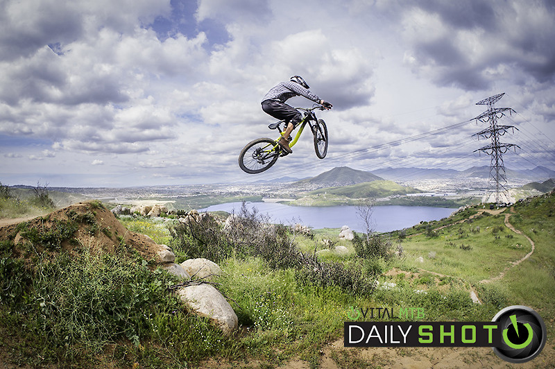 Jumping the Whale - entronke - Mountain Biking Pictures - Vital MTB