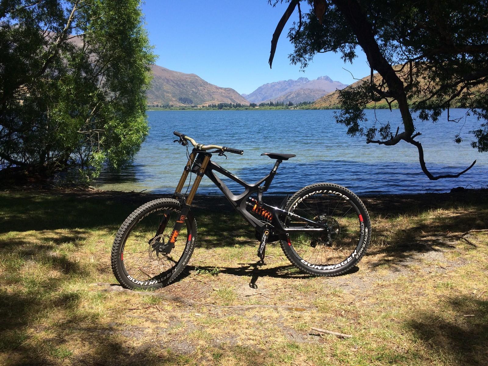 2016 M16 Carbon from Arrow Bikes, Arrowtown, NZ