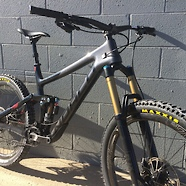C186_c3_bike_shop_norco_range_custom_th_1