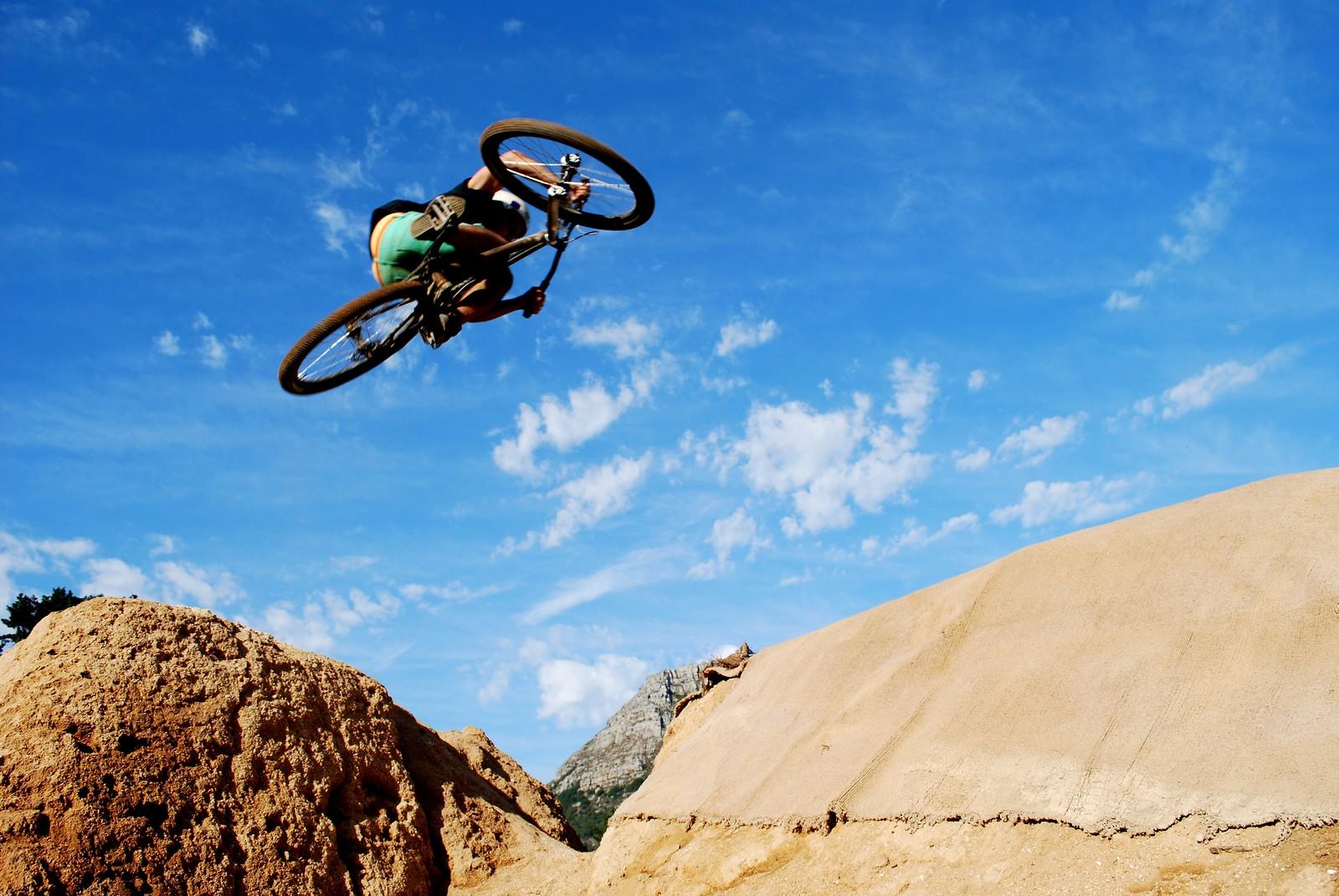 Downside - CandyMuffin - Mountain Biking Pictures - Vital MTB